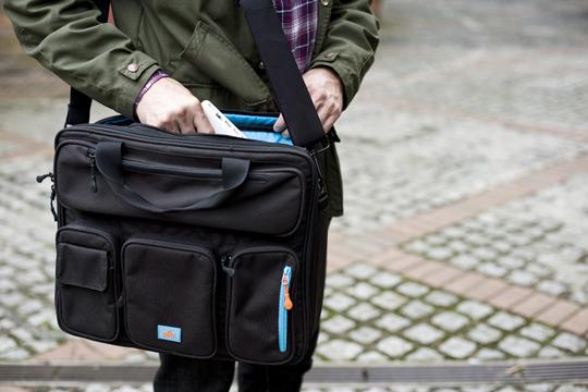 alkr briefcase 01 ALKR Urban Briefcase