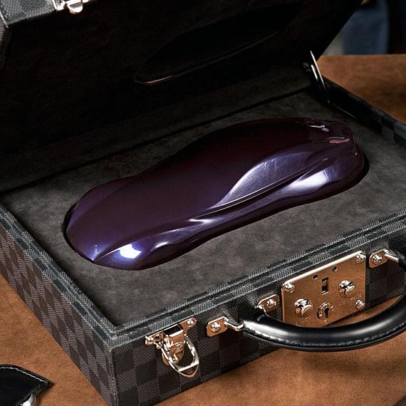 Louis Vuitton Infiniti Bespoke Damier Case Louis Vuitton & Infiniti Bespoke Damier Case