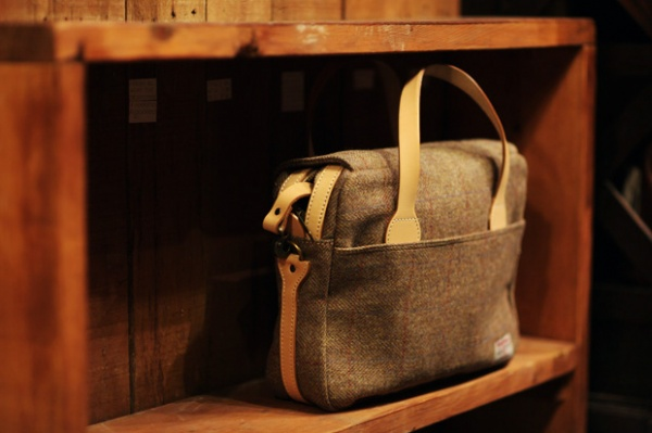 Harris Tweed Messenger Bag by Pherrows 1 Harris Tweed Messenger Bag by Pherrows