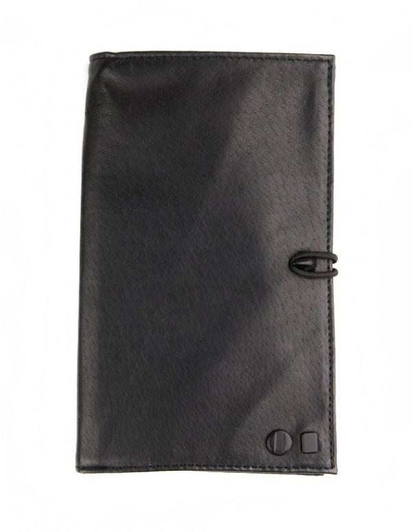 COMUNE Davis Passport Wallet