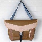 Bedouin Sacaren Messenger Bag