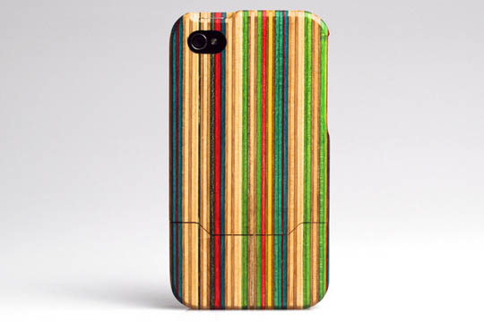 grove maplexo iphone 4 skateboard case 01 Grove + MapleXO Skateboard iPhone Case