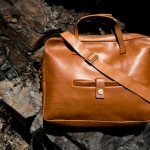 a-kind-of-guise-leather-messenger-bag-0