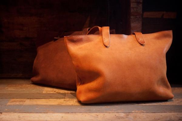 roberu ground leather tote 0 Roberu Ground Leather Tote