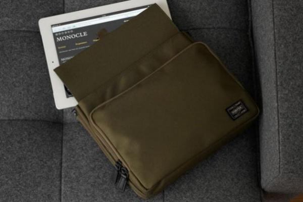 porter x monole ipad bag 01 Porter x Monocle iPad Holder