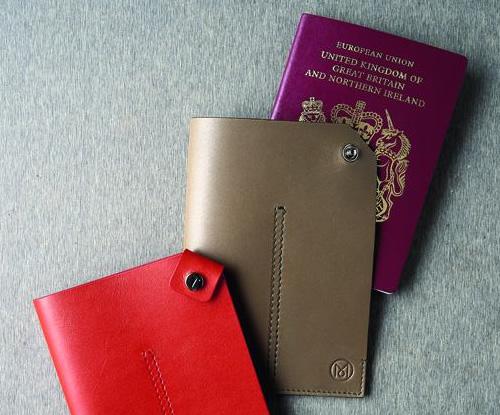 todsmon1 Tods x Monocle Passport Case