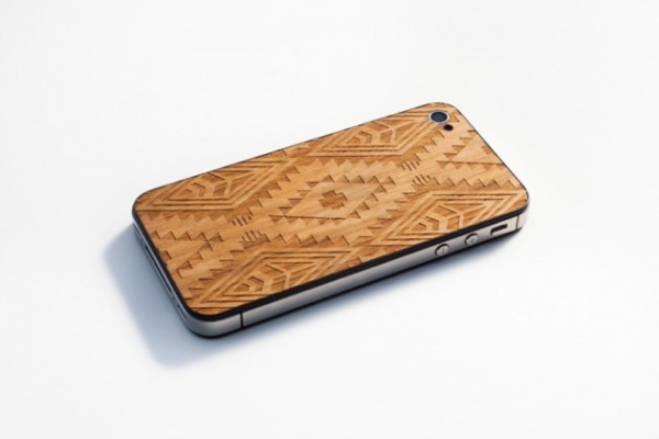 benny gold material6 native iphone back 2 630x420 Benny Gold x Material6 Native Print Wooden iPhone Back