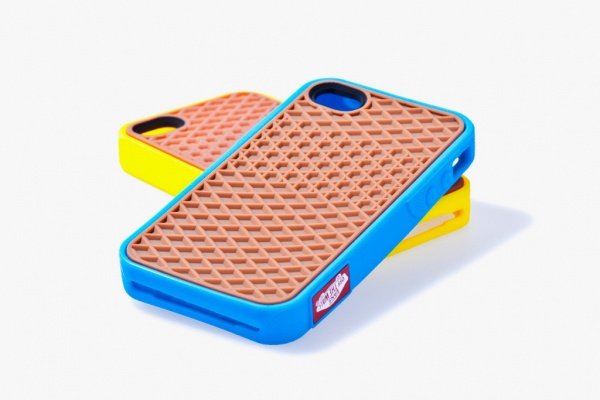 vans 2012 rubber waffle case iphone 4 yellowcyan 1 Vans 2012 Rubber iPhone 4 Case: Cyan & Yellow