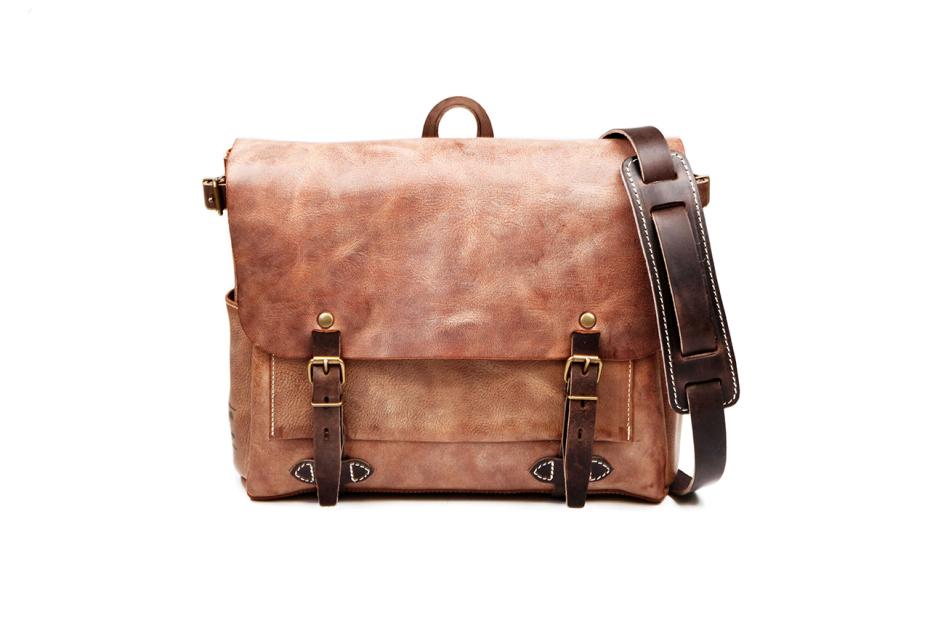 ateliers heschung x bleu de chauffe leather bags collection 1 Ateliers Heschung x Bleu de Chauffe Leather Bags Collection