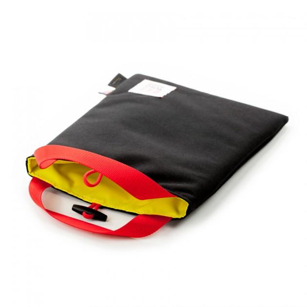 topo laptop 5 630x630 Topo Design Introduces iPad & Laptop Sleeves