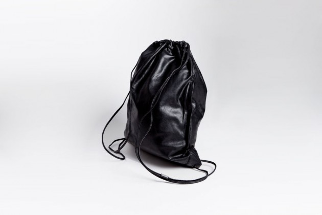 Alexander Wang Black Leather Gym Bag 02 630x420 Alexander Wang Wallie Gym Bag