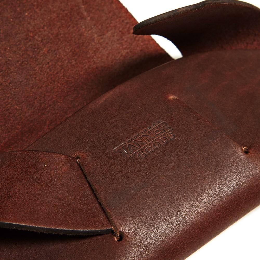 28 11 2013 tanner goodssunglasscase darkoak d5 Tanner Goods Handmade Leather Sunglasses Case