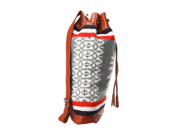 pendleton chief backpack 2013 03 630x472 Pendleton Heroic Chief Drawstring Backpack