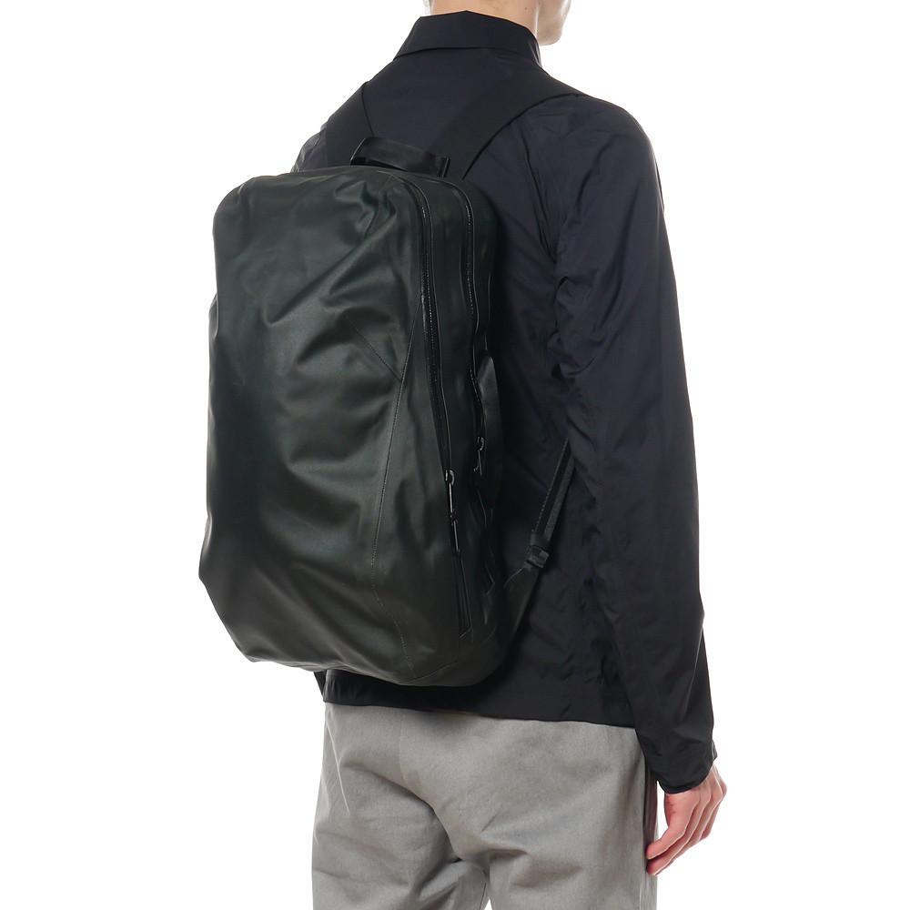NominPackBlack10 143f8f93 847f 49f5 b514 ae58841ebd8f 1024x1024 Arcteryx Veilance Nomin Backpack
