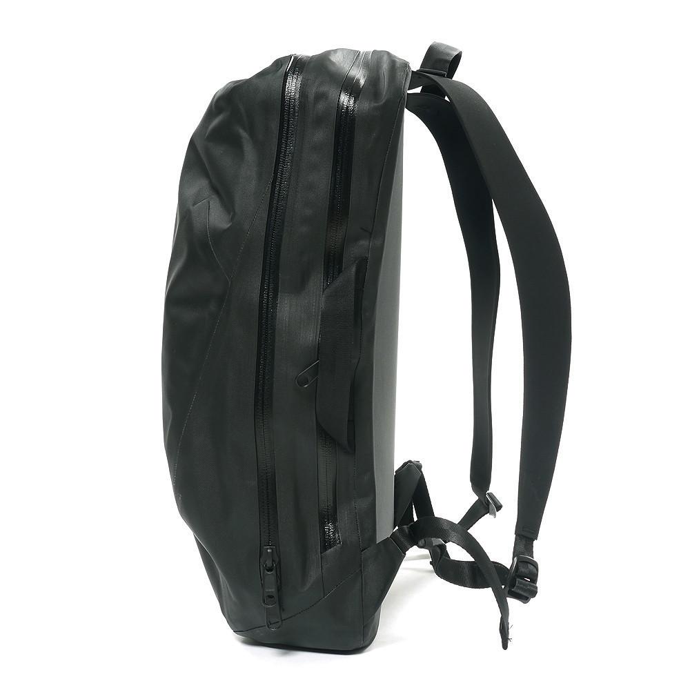 NominPackBlack2 5d18cff7 cf0b 4be4 917b 64632d1709ad 1024x1024 Arcteryx Veilance Nomin Backpack